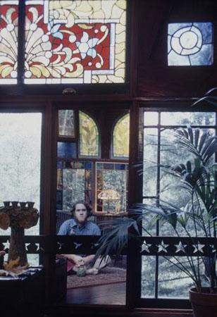1971-stainedglasshouse-308.jpg