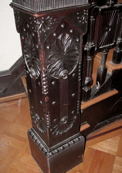 staircasecolumn450.jpg