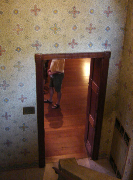 woodendoor3backhallway-280.jpg